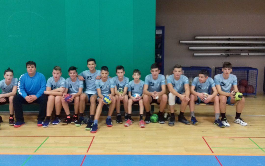 Starejši dečki zmagali na občinskem prvenstvu v rokometu
