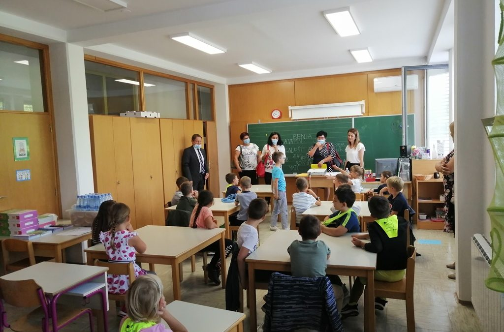 Šolski prag prestopilo 57 prvošolčkov na OŠ Loka Črnomelj