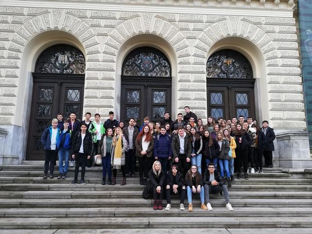 Obisk Narodnega in Prirodoslovnega muzeja – naravoslovni dan 9. razredov